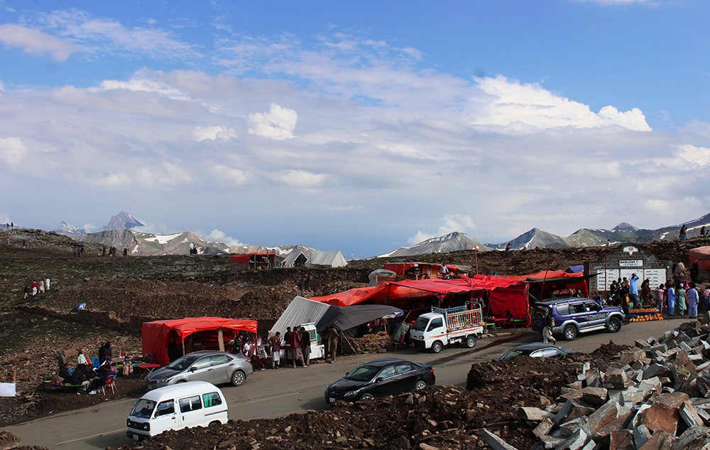 Temporary Shops at Babusar Pass