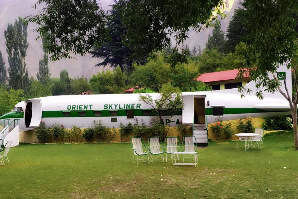Crashed Aircraft as Restaurant at Shangrila Lake