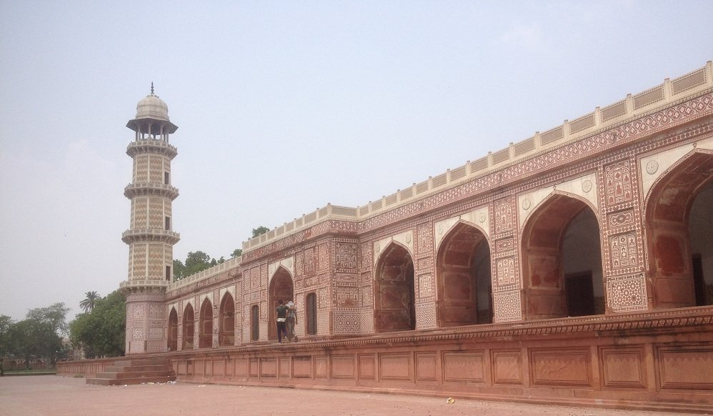 Jahangir Tomb Side View