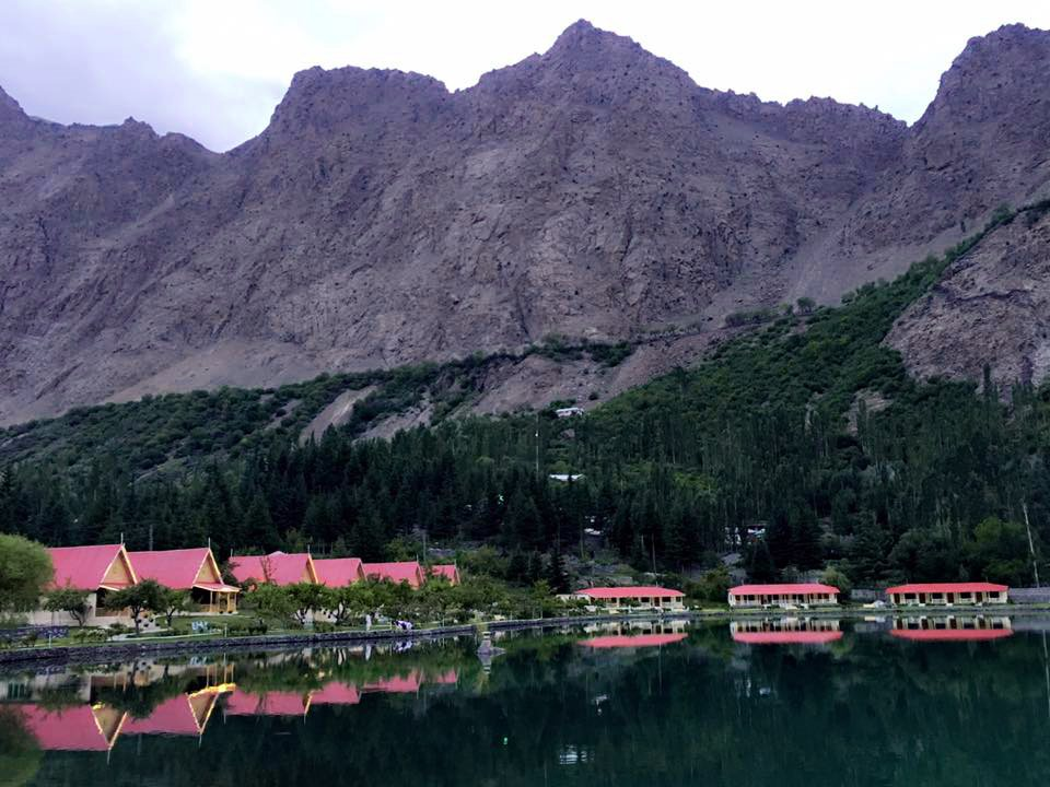 Mirror Like Effect of Shangrila Lake