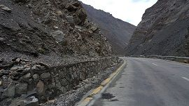 Road toward Khunjrab Pass